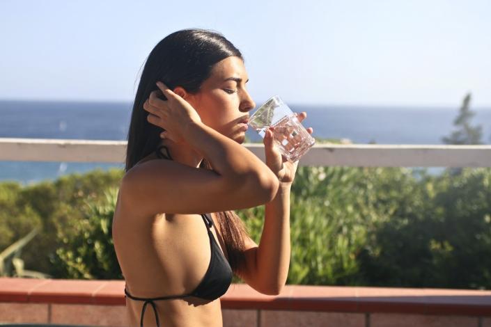 Acqua, una bevanda dietetica